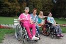 Nałęczów, Park Zdrojowy, na ławeczce odpoczywają Pani Ela, Pani Ania, Pani Katarzyna i Pani Agnieszka