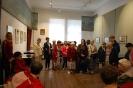 Nałęczów, wnętrze Muzeum Bolesława Prusa, grupa z Żułowa jest oprowadzana przez przewodnika