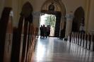 Wąwolnica, wnętrze Sanktuarium Matki Bożej Kębelskiej, s. Rufiana z Mieszkankami przy wejściu