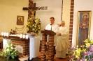 Kaplica w Domu Nadziei, Msza Święta, czyta Pan Piotr, w prezbiterium ks. Zygmunt