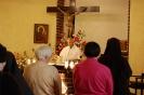 Kaplica w Domu Nadziei, Msza Święta, przy ołtarzu ks. Antoni