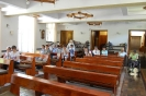 Kaplica w Domu Nadziei, Uczniowie, Nauczyciele w czasie krótkiej modlitwy